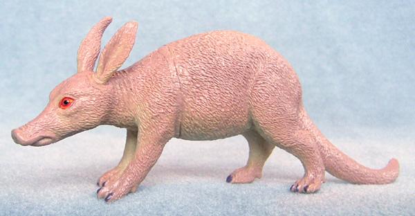 Aardvark-plastic-animal-toy-f1043