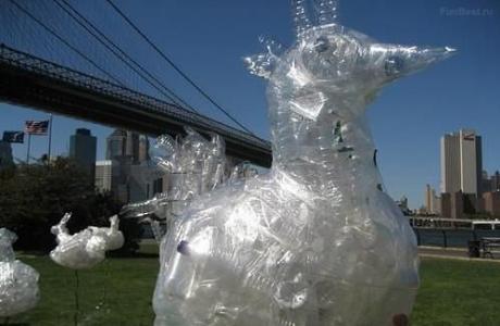 Plastic-bottles-animal-sculpture