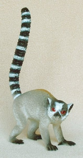 Lemur-ring-tailed-plastic-animal-f1053